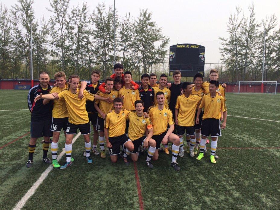 Varsity Boys Soccer 2015  13