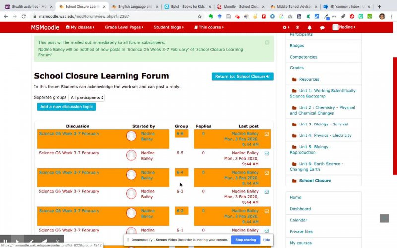 How to setup forum in Moodle course