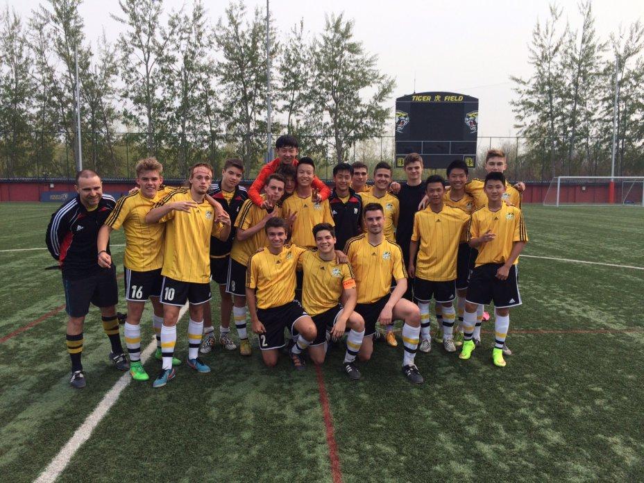 Varsity Boys Soccer 2015  14