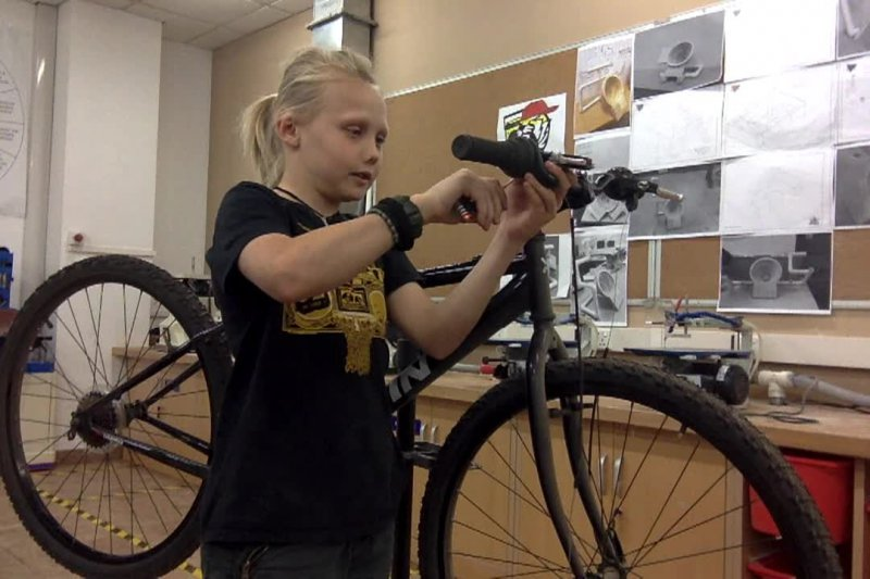 Build a Bike - Adding bars, stem, gear and brake controls and grips.