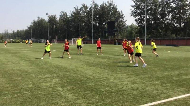 8-5 Invasion Games - Handball