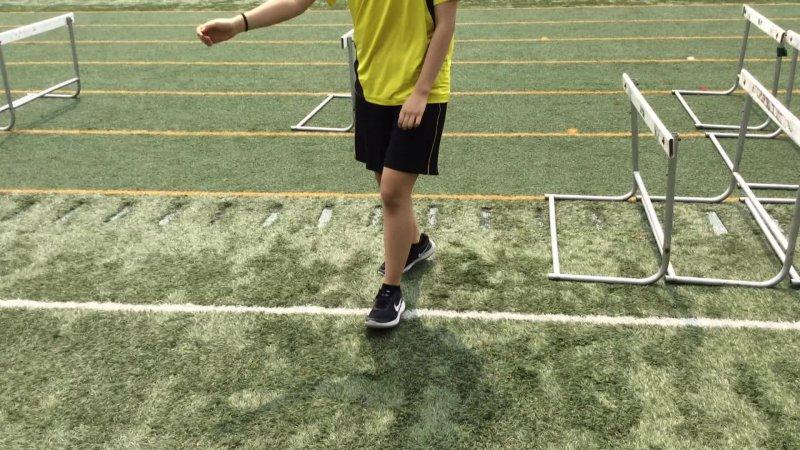 Step over drills Hurdle Drill Yunha, Julia, Cedric 7-1